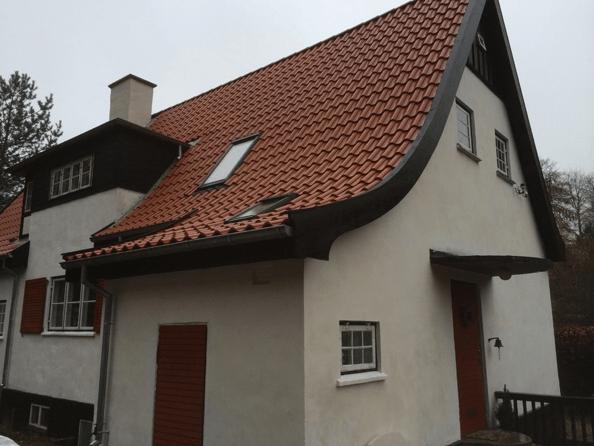 Tagarbejde på ældre hus. L&H Tømrerentreprise.