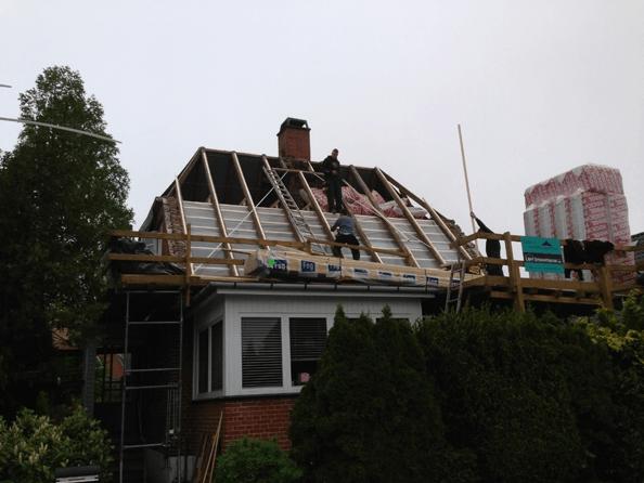 Tagarbejde på ældre hus. L&H Tømrerentreprise